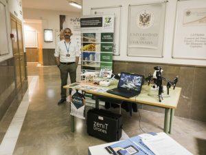 Stand de Zenit Drones en el Foro de Emprendimiento de la Universidad de Granada